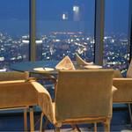Blue'dge - 窓際のテーブル席