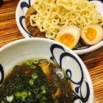 麺鮮醤油房 周月 - つけ麺味玉