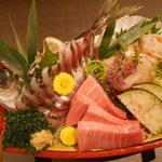 海鮮個室居酒屋 宇和之島 浜松町・大門店 - 鮮魚3点のお刺身盛合せ