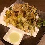 海鮮個室居酒屋 宇和之島 浜松町・大門店 - 旬の野菜の天ぷら