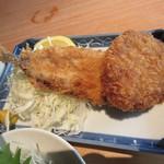 秋葉原魚金 - いわしフライとメンチ