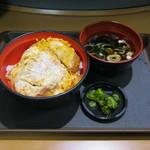 名代 富士そば - 「かつ丼」です。2017/05