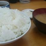 山家 - ご飯に味噌汁