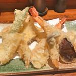 66954455 - 天ぷら盛り合わせ(海老2尾、穴子、いか、しめじ、しいたけ、おくら)