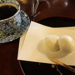 66958518 - 酒まんじゅう+コーヒー