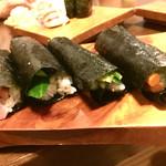 新中野まとい寿司 - 左からネギトロ、カッパ×2、山ゴボウ
