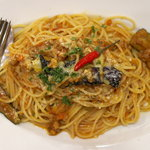 ナポリの下町食堂 - 揚げ茄子の辛口ミートソース