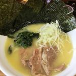 鶏白湯らーめん 鳥虜 - 料理写真:塩ラーメン@780円