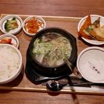 KOREAN KITCHEN ペゴパ - ソルロンタン定食