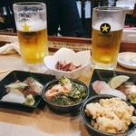 歓酒亭 大安 - ▲ビール+刺身+小鉢セット@800