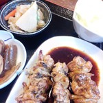 66967740 - 定食は串焼(タレ)にしました。というか、タレしか食べたことありません。(*´ω`*)