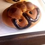 パン工房 小愛夢 - かなりでかいキャラクターパン