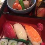 おがわ - お寿司と炊き合わせ