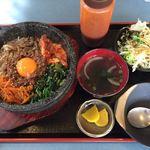 焼肉ハウス ファミリー - 石焼ビビンバ定食