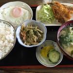 吉田屋 - 料理写真:朝食 中=630円