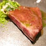 66980599 - 牛肉のシンシン ヨモギとピスタチオ ピスタチオのソース ミモレットチーズのスープとクルトン