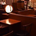 カフェ&ブックス ビブリオテーク - 2次会・新歓送迎会で店内貸切もOK!
