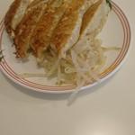 小白 - 餃子8ヶ370円