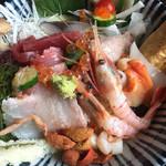 緑水門 - 海鮮チラシ丼1500円、安い