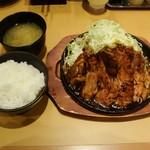 とんテキ あっちゃん - とんテキ定食961円