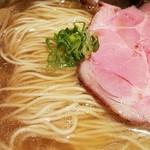 中華蕎麦 蘭鋳 - 苦味は抑え気味に。