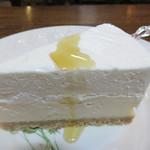 66991163 - ニューヨークチーズケーキ。