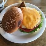 ジョジョズ カフェ&バー - オリジナルハンバーガー