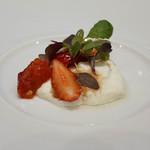 レクテ - ぶらったーズチーズに苺のサラダ