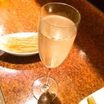 まるゲリータ - スパークリングワイン