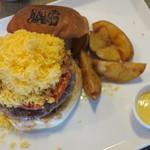 JAGBAR potato & hamburger - ジャグ・チーズバーガー、フリットセット:ポテトS ホースラディッシュマヨで2