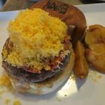 JAGBAR potato & hamburger - ジャグ・チーズバーガー、フリットセット:ポテトS ホースラディッシュマヨで3