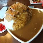 べるしい - ポークカツカレー 大(1050円)