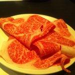 しゃぶ吉 - メインのお肉。生でも十分頂けます。