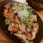 居酒屋野郎 秀 - 料理写真:焼き鳥もも肉のおろしポン酢 580円