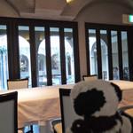 リストランテ ベツジン - 天王寺にいながら異国情緒を楽しめるお店です。       暖かくなったら、中庭で噴水を眺めながら       優雅にお食事したいね。              ちびつぬ「また来ましょう・・・」