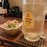 天ぷらと泡 ぱちぱち - ハイボール(開店記念で一杯88円で頂きました)&お通し