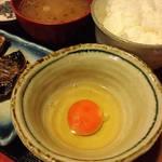めしの助 - 卵かけごはんと鰺の干物 900円