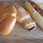 ホームメイドソーセージ・フランクフルト 本店 - 3種のパン