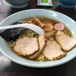 伊勢屋 富岡市 - 料理写真:支那そば、チャーシュー。