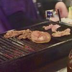 徳田酒店 - 各種焼き物用の調理器具。かなり年季が入っていた。
