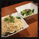 四川麻辣火鍋 天府 - 干し豆腐のあっさり和え&叩きキュウリの塩コンブ和え