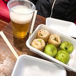 鵬天閣 酒家 - 焼き小籠包 豚肉3個と海鮮3個セット