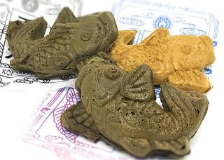 藤田九衛門商店 - お土産に買った3種類の鯉さん。 表裏の柄が違うのがわかりますかね?