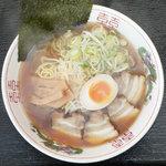 大和 - 料理写真:やみつきのあっさり醤油味!当店の看板「神馬らーめん」680円