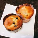ホームベーカリーキタオカ  - 料理写真:マフィン(チョコチップとクルミ)