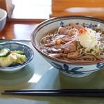 定助そばや - 料理写真:冷たい肉蕎麦