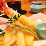 海鮮問屋 柿の匠 - 天ぷら盛り合わせ 1000円