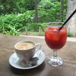 SOPRA - コーヒーとブラッドオレンジジュース