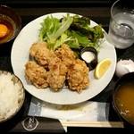 烏丸くろ - 唐揚げ定食(900円)