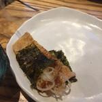 小田原バル - 下田豆腐店の油揚げ明太焼き  韓国ノリで巻いて食べます!